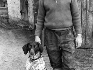 Mann mit Hund - Gustav Eckart, Fotografie