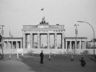 Berlin 1962 Brandenburger Tor - Gustav Eckart, Photography