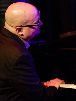 The Bad Plus: Ethan Iverson 20140408 - Gustav Eckart, Fotografie