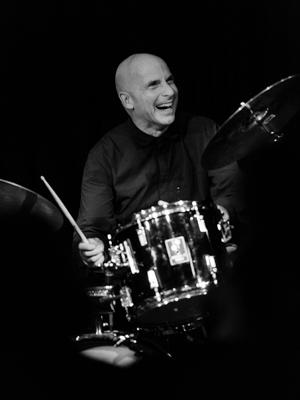 Joey Baron 2014-11-16 - Gustav Eckart, Photographie