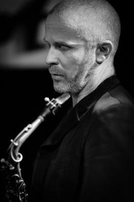 Hayden Chisholm 20131217 - Gustav Eckart, Photographie
