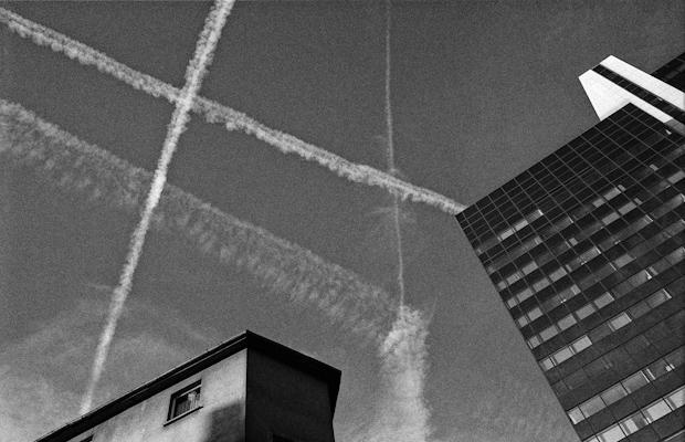 traces in the sky - Gustav Eckart, Photography