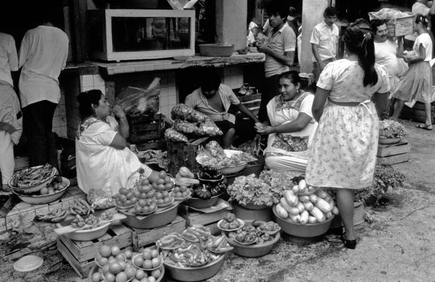 Merida Marktfrauen - Gustav Eckart, Fotografia