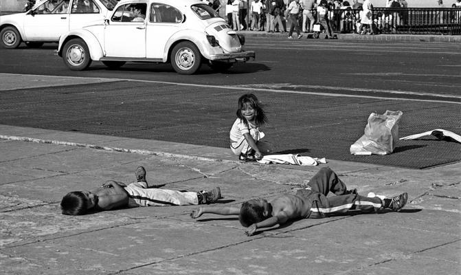 Mexico Strassenkinder 1 - Gustav Eckart, Fotografia
