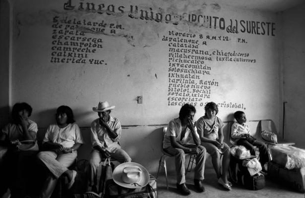 station d'autobus Palenque 1988 - Gustav Eckart, Photographie