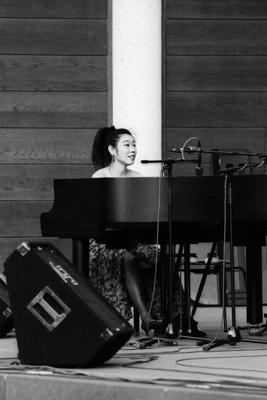 Aki Takase 1994 06 30 08 - Gustav Eckart, Fotografia