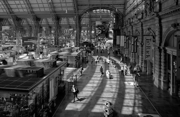 Dans la gare de Francfort - Gustav Eckart, Photographie