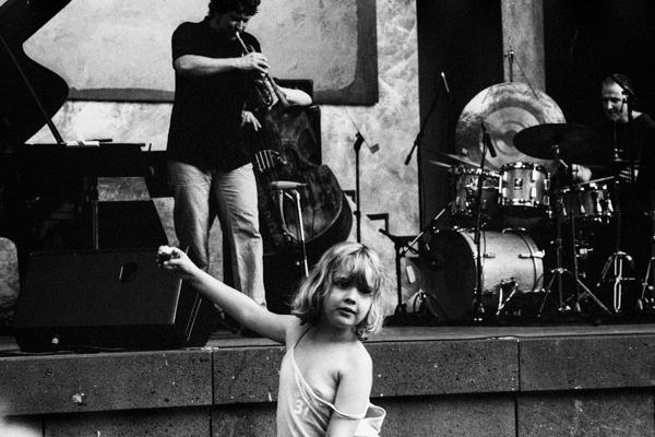 Kinder 90 - Gustav Eckart, Photographie